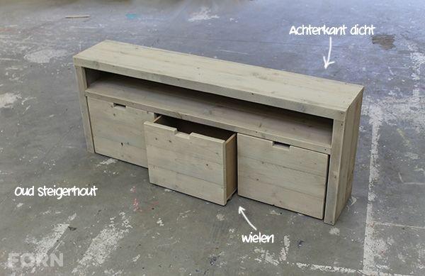 Een sidetable met veel opbergruimte. De boxen zijn gemaakt met wielen en hebben extra veel opbergruimte. De sidetable is helemaal naar wens te maken.