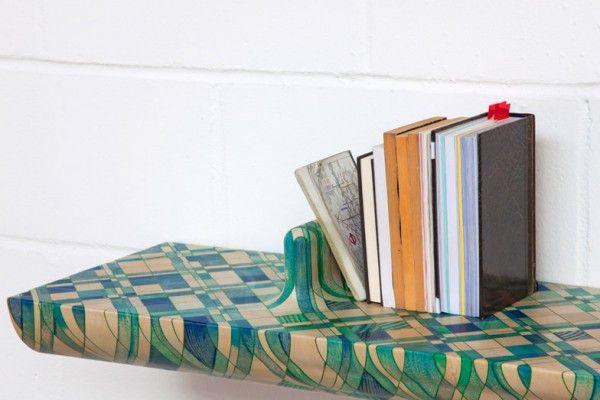 Après plusieurs années à essayer d'insérer, comme ils le souhaitent, des pigments colorés dans des morceaux de bois, Yael Mer et Shay Alkalay du studio Raw Edges, ont enfin trouvé la bonne combinaison de types de colorants et de bois pour obtenir la couleur parfaite pour certaines sections d'un meuble.  Ils ont dû trouver un bois qui absorberait la tache de peinture. Ils ont essayé plus de 20 espèces différentes jusqu'à ce qu'ils trouvent le bon bois, le Jelutong.