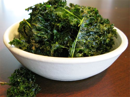 Kale Chips photo: Chips So, Chips Yum, Baked Kale Chips, Compliant Recipes Ideas, Easy Kale, Fav Snacks, 30 10 Recipes, Chips Photos, Baking Kale Chips