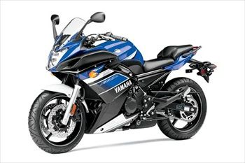 Yamaha has decided to not give up in the race for top company and released the new models 2013th Today you may be by one of the famous and popular models of this very Employers. It is a model that Yamaha FZ6R is little changed compared to his older brother. And what is this new? - Surely wondering