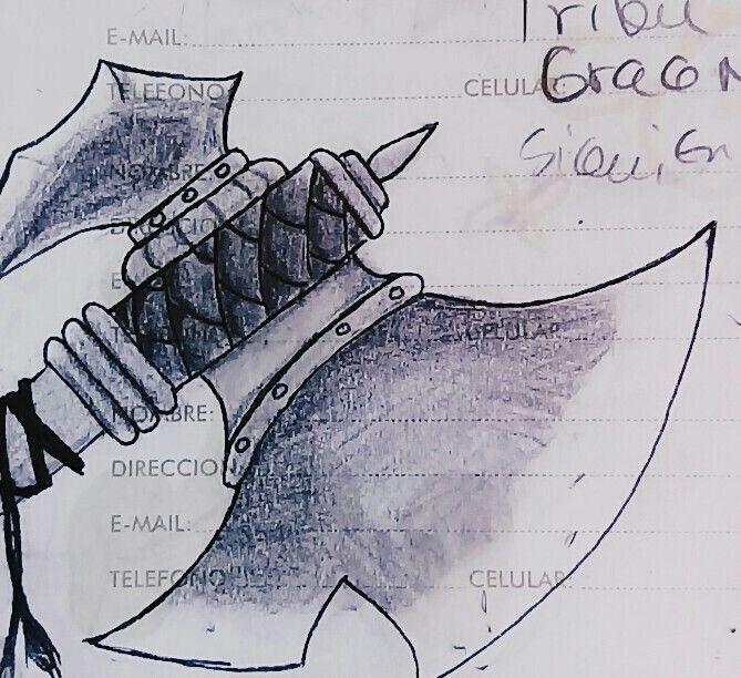 """Dibujo de una """"Gran hacha"""" en una libreta By Reila"""