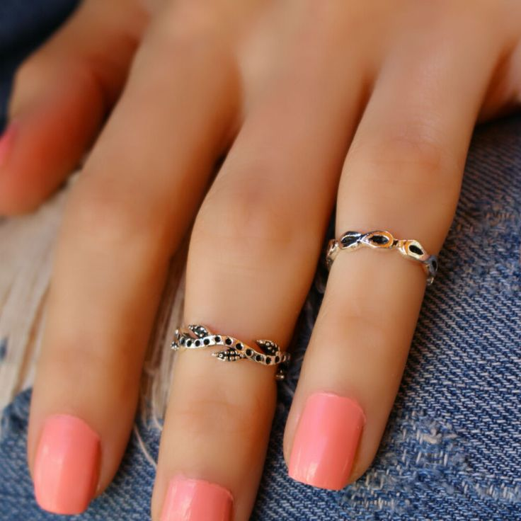Finger Wrap Band Silver Stacking Knuckle Elegant Fashion Statement Mid Midi Ring #Takimania #Statement