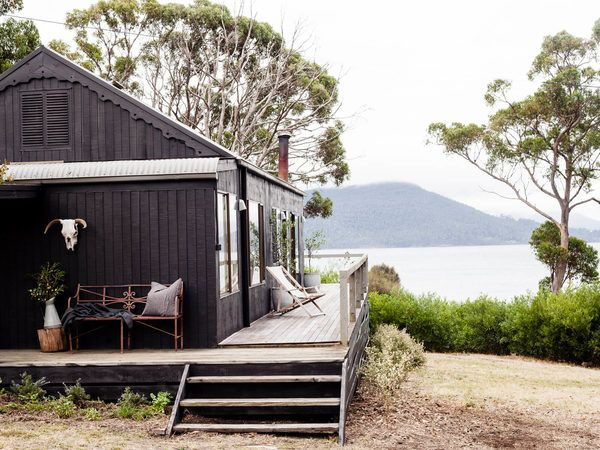 From Swansea's picturesque Piermont to D'Entrecasteaux Channel's jaw-dropping Satellite Island, these are the most romantic getaways in Tasmania.