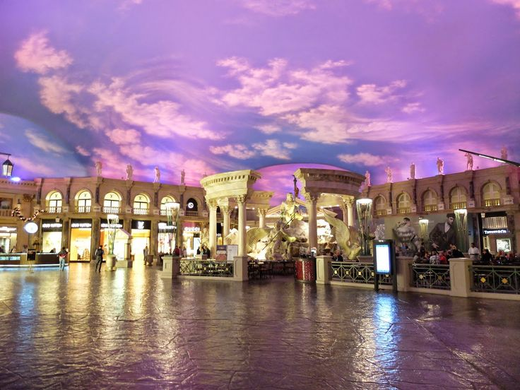Cesar's Palace - Las Vegas - The Blonde B