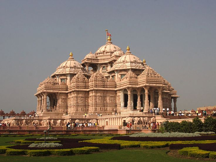 Akshardham is one of the beautiful made buildings inside Delhi attracting visitors and make them visit to Delhi .Visit http://www.hotellohias.com/accommodation.html to stay while visiting Delhi