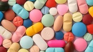 ¿Alguna de estas será la pastilla que cambió la vida de la protagonista?