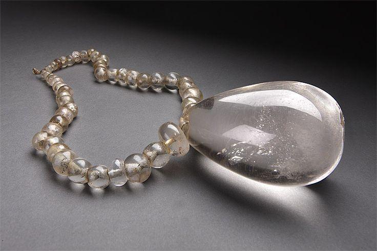 Quartz necklace 100-800 AD / Moche culture peru