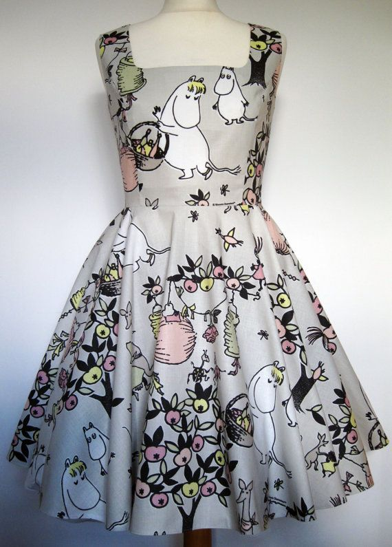 We are dreaming about this fabric. About this dress. All by Frockasaurus
