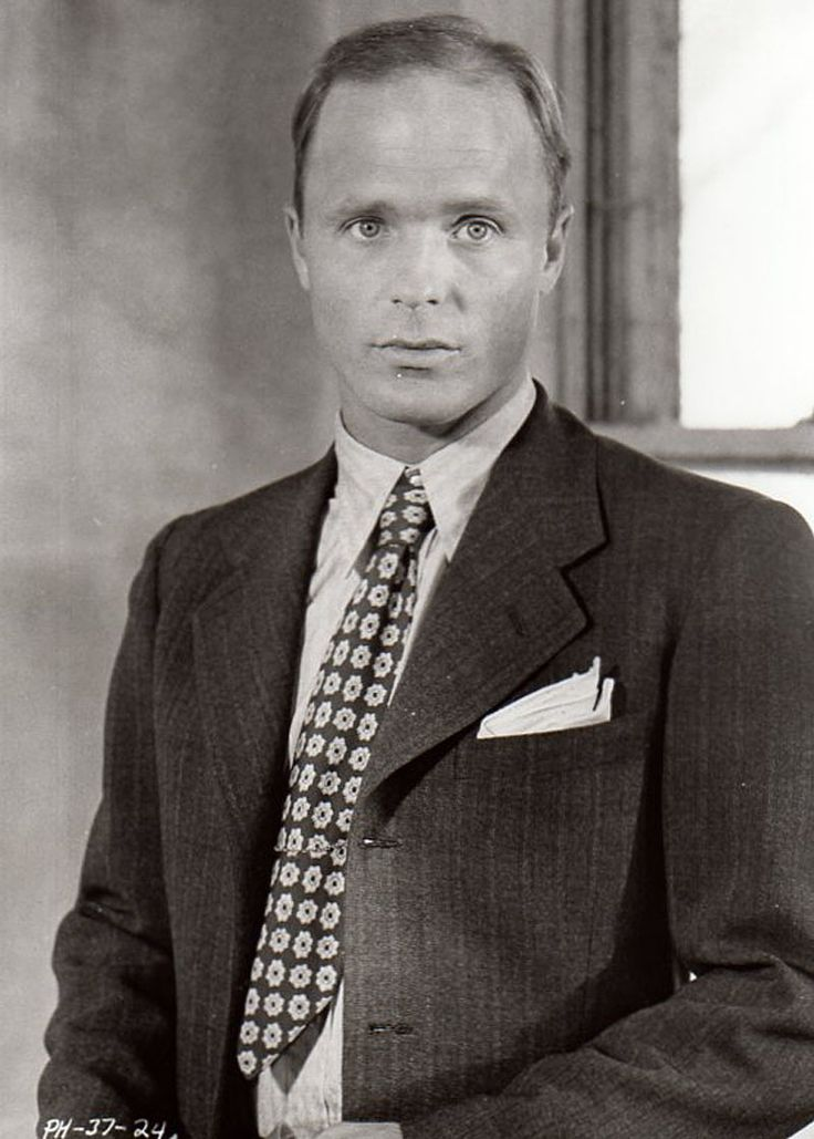 Ed Harris. Loved him in China Moon with Madelyne Stowe. Just oozed sexy.