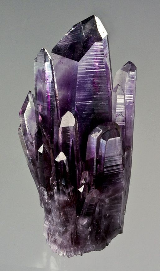 Quartz var. Amethyst - Amatitlan, Guerrero, Mexico / Mineral Friends <3 ≤≥≤≥≤≥≤≥≤≥≤≥≤≥≤≥≤≥≤≥≤≥≤≥≤≥≤≥ ♥ Gaby Féerie créateur de bijoux à thèmes en modèle unique. Des pièces originales à ne pas manquer ♥ Présente.sur.pinterest.➜ https://fr.pinterest.com/JeanfbJf/pin-index-bijoux-de-gaby-f%C3%A9erie/ et.sa.boutique.➜ http://www.alittlemarket.com/boutique/gaby_feerie-132444.html