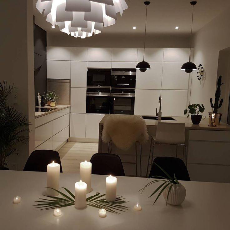 GN 🌟 . . . . . . . . . . . #instagram #decoração #decoraçãodeinteriores #insta #instalove #interior125 #interiordesign #whiteinterior #interiorforinspo  #fashionaddict #fashionselection #interior9508 #interior444 #irdecor #maritstyle#funkistine #frutanem #interior123 #interiorandhome  #eleganceroom #villavangsnes #annette_vel # #interiorforyou#kitcheninspo #kitchen #kitcheninspiration #kjøkken #kvik #kvikkjøkken #kvikmano