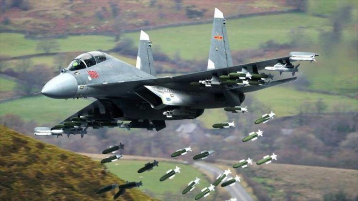 Un cazabombardero chino Shenyang J-16.