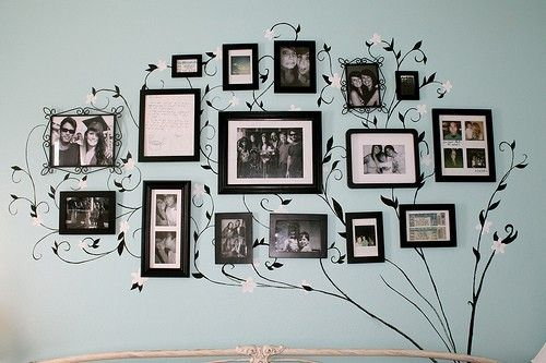 family tree.: Wall Art, Ideas, Family Trees, Families Trees Wall, Living Room, Photos Wall, Families Photos, Gallery Wall, Pictures Frames