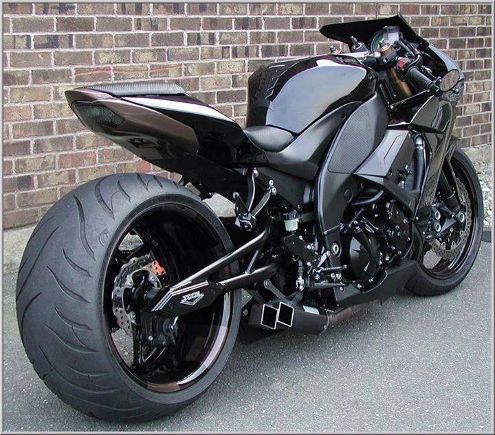 Suzuki Motorcycle                                                                                                                                                                                 Mais