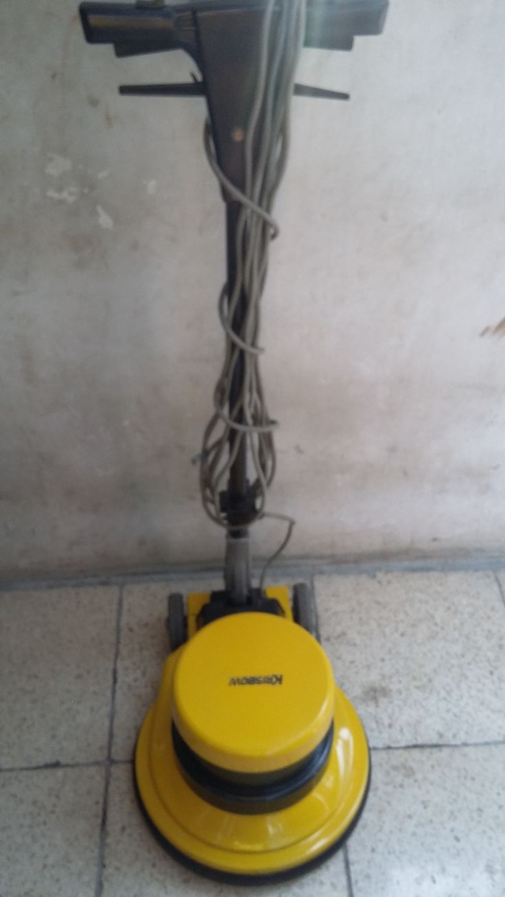 jual mesin poles lantai/floor polisher krisbow pesifikasi :   Power : 1100 W  Diameter : 17″   Speed : 154 Rpm   Weight : 50 Kg  Cable : 12 M   Including : Main body,hard brush,soft brush,pad holder,water tank   Country : Cina   Garansi 3 Tahun  Harga Second Rp 3.400,000  Harga Baru      Rp 8.500,000  Hubungi BaPak Agus 0877 8393 1841  jl Buluh Perindu raya No 141   Pondok Bambu Jakarta Timur