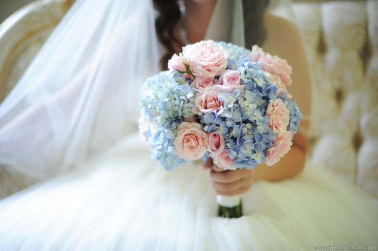 Blue Hydrangeas With Pink Roses Blue Hydrangeas