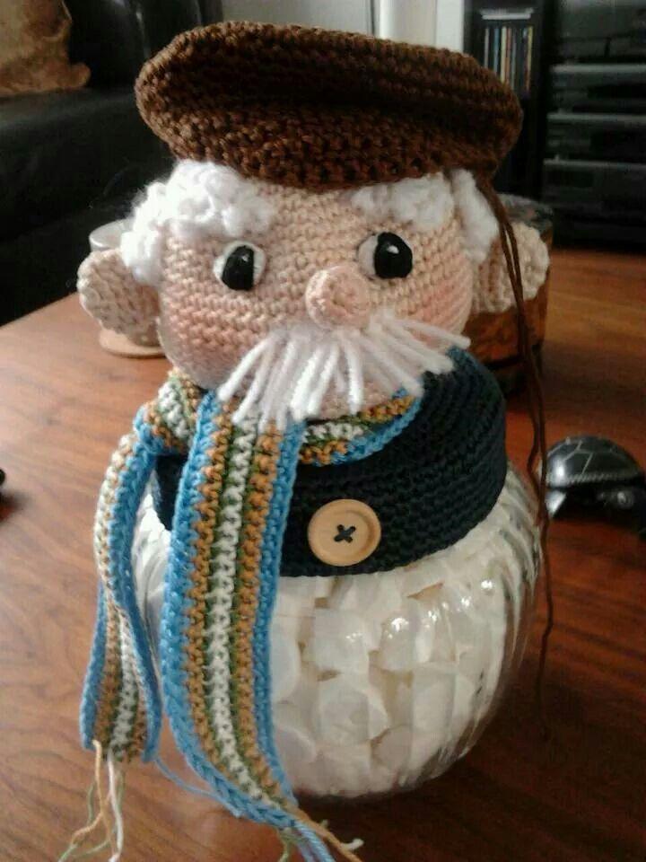 Snoeppotje Abraham. Patroon is van Delicious Crochet.com
