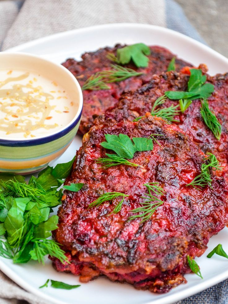 Beetroot fritters & tahini sauce / A kitchen in Istanbul