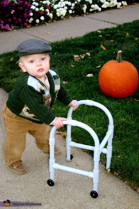 I don't have a kid....but I would die laughing if this came to my house.... 21 Easy Homemade Costumes for Baby's First Halloween