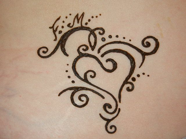 Heart Tattoo Designs Henna: Tattoo Heart - Summer Henna Idea
