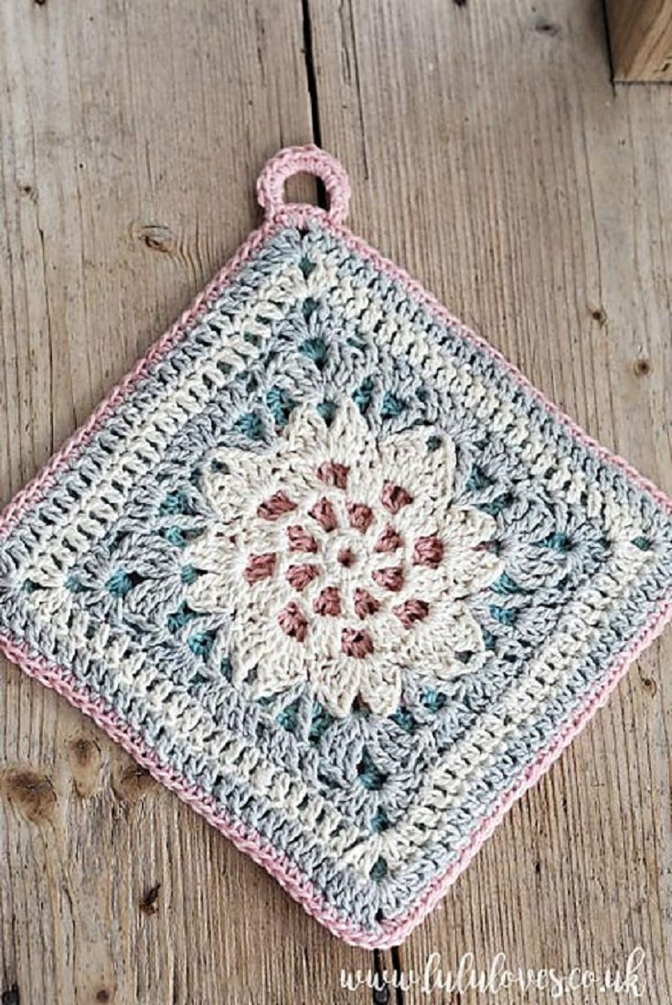 [Free Pattern] This Gorgeous Pastel Spring Potholder Will Look Great In Your Kitchen!