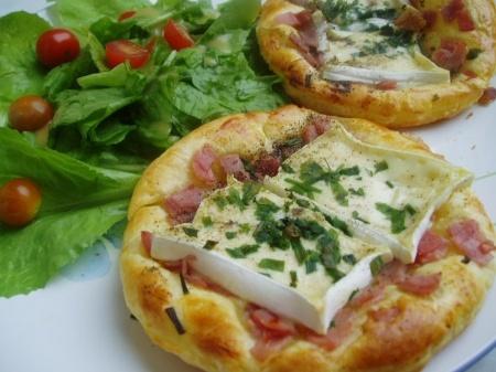Croustade feuilletée au fromage et bacon