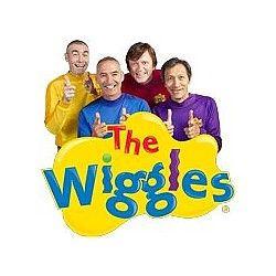 <3 The Wiggles <3 These are the ones I grew up with. Murray was my favorite! Anthony was my mom's favorite lol! :')<3