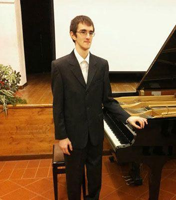 Il giovane pianista Samuele Piccinini in concerto al Teatro di Cagli (PU), Cagli (PU), Marche