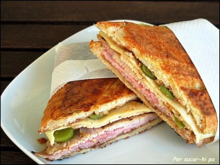 5 recetas fáciles de sándwiches. Recopila las distintas recetas el autor del blog Cocina Familiar con Javier Romero.