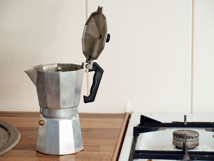 Afternoon cafe in my white kitchen. Moka pot <3