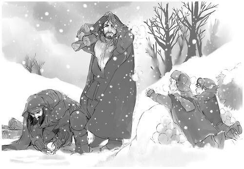 Dwalin, Thorin, Fili and Kili preparing for a snowball fight