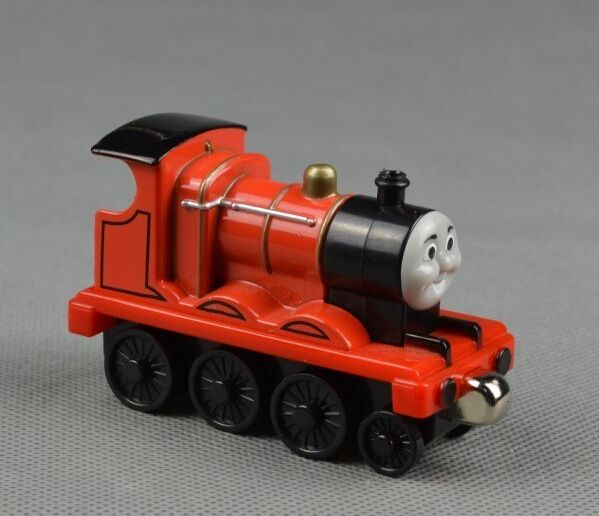 Дешевое Вуд поезд игрушки магнитный томас и друзья джеймс Trainhead деревянная модель поезд дети / ребенок подарок рождественский подарок, Купить Качество Игрушечные машинки непосредственно из китайских фирмах-поставщиках:   Информация о продукте: Размер: 7*3.5*4.5 см (приблизительно) Материал: Древесина бука и АБС-пластик Большим преимущест