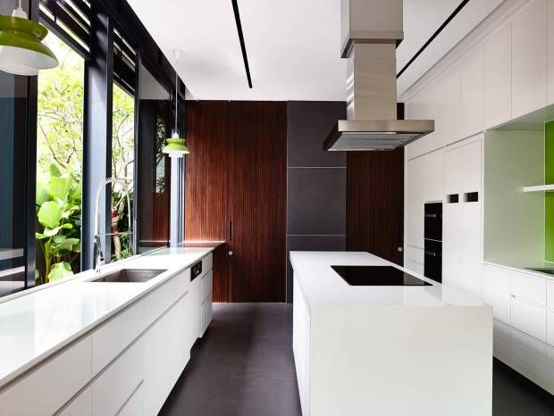 lines of light in a thoughtful terrace house | @meccinteriors | design bites | #kitchen