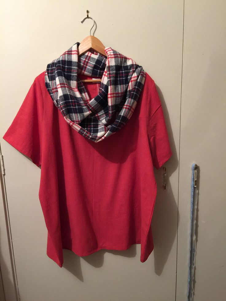 Major cupboard cull today and then this burnt orange/red peri cotton #100actsofsewing #dressno2 tunic length top was made. I have 5m of this fabric, and have cut out pants, this top, a boatneck #dressno1, & a kimono! I also cut out a #dressno2 in flannel and made a loop scarf with the leftovers. #handcraftedbasics #homesewnwardrobe #handmadewardrobe #sewzen #mygetupandgogotupandwentbutisslowlycomingbackindribsanddrabs