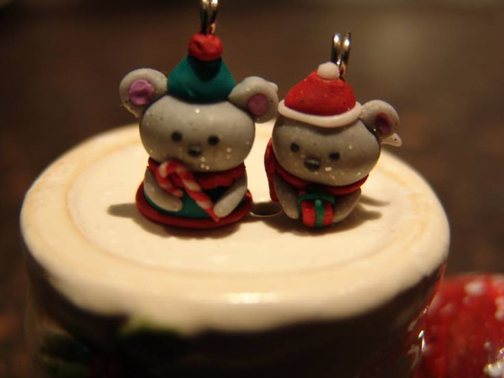 polymer clay christmas mice https://www.facebook.com/ClayMiniGifts/