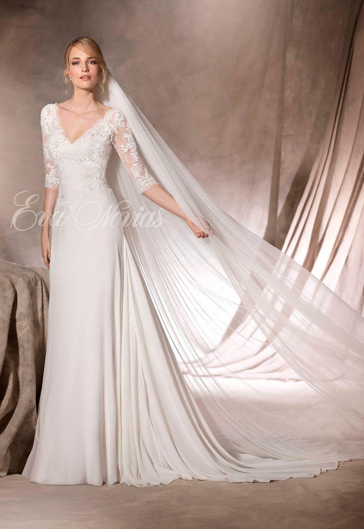 Vestido de novia Modelo Halima  de La Sposa by Pronovias en Eva Novias Madrid.   #vestido #novia #coleccion #2017 #weddingdress #bridalfashion #bridal #bodas #novias