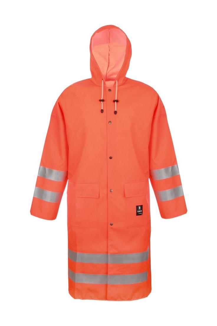 MANTEAU HAUTE-VISIBILITÉ IMPERMÉABLE Modèle: 1102 Le manteau possède la fermeture à boutons pression, une capuche fixe et 2 poches soudées sous pattes et les bandes rétroréfléchissantes. Le modèle est fabriqué en tissu imperméable appelé Plavitex Fluo, qui est recommandé à l'usage dans des conditions météorologiques défavorables où la visibilité est limitée. Le manteau protège contre le vent et la pluie. Les soudures bilatérales haute fréquence augmentent la résistance des coutures.