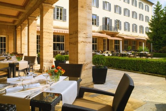 dining at the Hotel Elephant, Weimar - A Luxury Collection Hotel, Weimar, Germany ::: Enjoy unforgettable moments on our Terrace: On warm summer evenings, the large doors of the gourmet restaurant Anna Amalia open up and culinary delicacies can be enjoyed under the starry sky in a magnificent ambience.