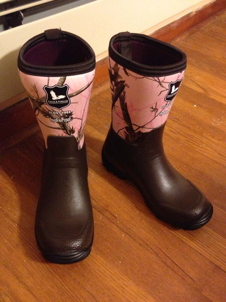 New pink Camo muck boots!!