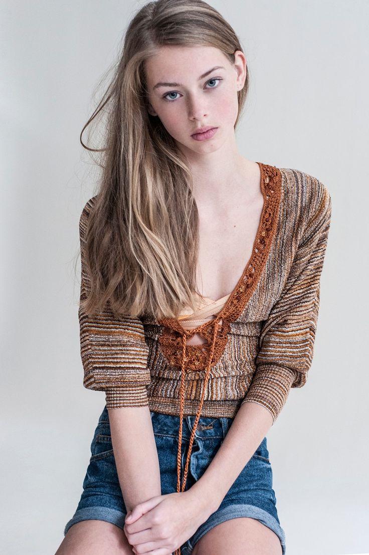 Lauren de Graaf - Elle pose avec Genie