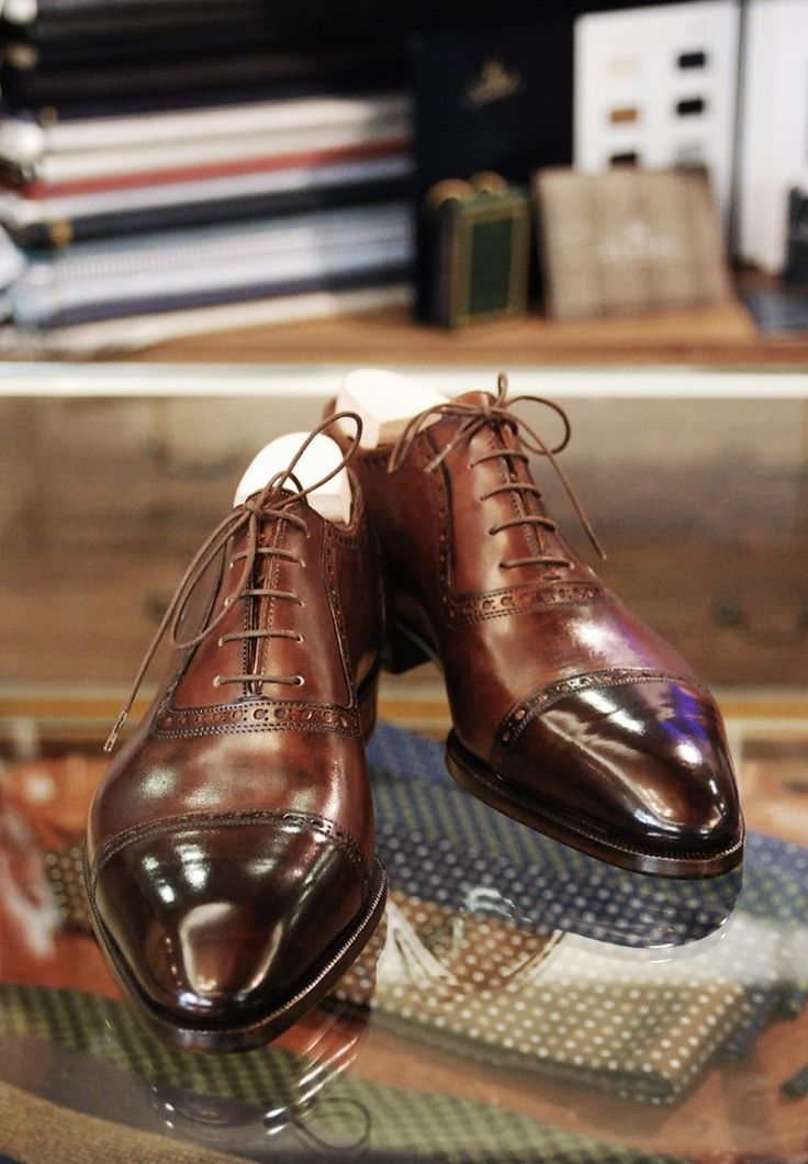Men's fashion: Shiny shoes, ready for blues....
