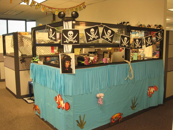 amusing halloween office decoration theme ideas | Awesome Cubicle With Ideas Decor Pirate Ship | Cool Office ...