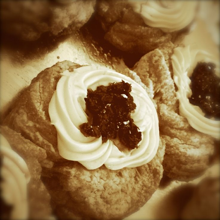 Zeppole di San Giuseppe - Beignets with chantilly cream and cherries
