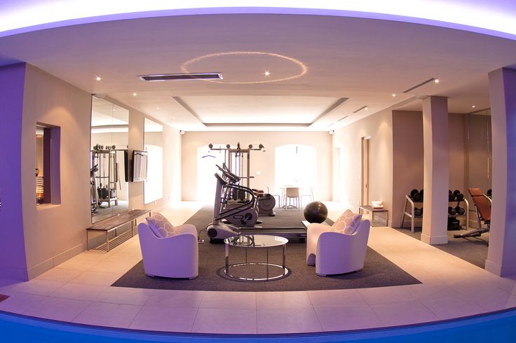 The gym at Benguela Manor