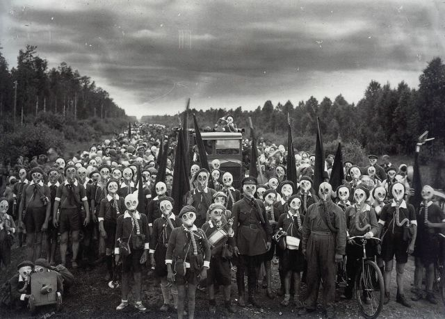 gas mask izu islands | ... gas masks with them at all times in case gas levels rise unexpectedly