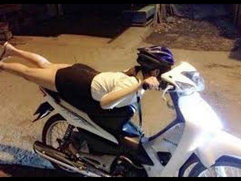 BIKIN NGAKAK Gadis Cantik Belajar Sepeda Motor