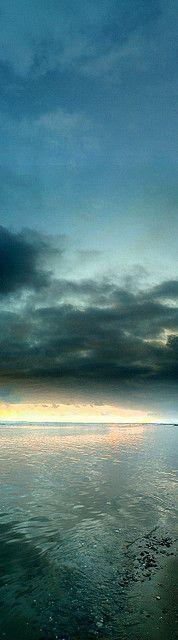 Def for my wall ...: Natural Blue, The Ocean, Blue Zen, Blue Skies, Beautiful ღ, Beautiful Sight, Breathtak View, Sky Meeting, Beautiful Beaches