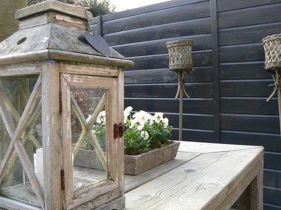 Spring Garden - Lente Tuin!  De tuintafel versieren.