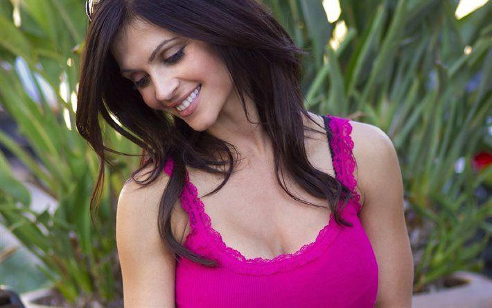 Denise Milani, beautiful woman, brunette, smile, American model, coach