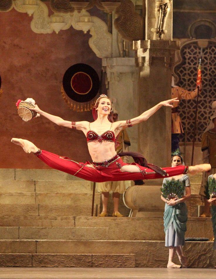 ".Svetlana Zakharova, ""Nikiya"", La Bayadére, Bolshoi Ballet ("